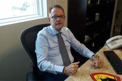 Dr. Maurício de Campos Veiga